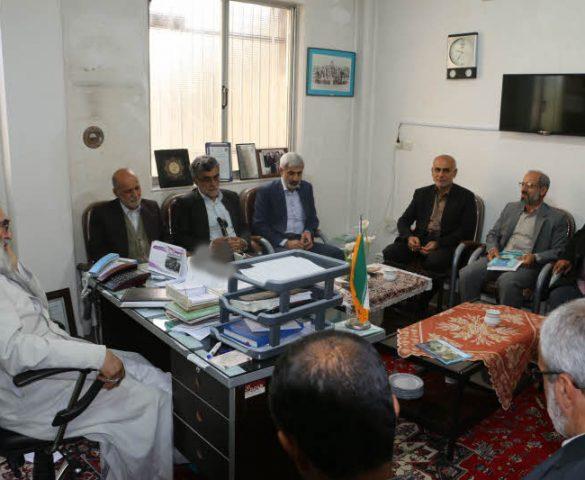 اعضای ستاد یادواره شهدای  روستای نوکنده کا ، با حضور در دفتر امام جمعه ، با آیت الله معلمی دیدار کردند + تصاویر