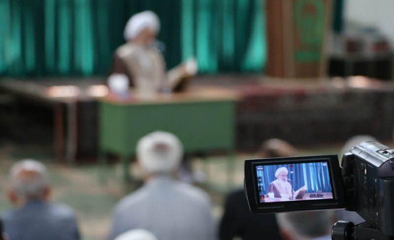 جلسه دوم تفسیر قرآن مجید در ماه مبارک رمضان سال 1398 توسّط آیت الله معلمی در مصلی جمعه قائم شهر برگزار شد + تصاویر