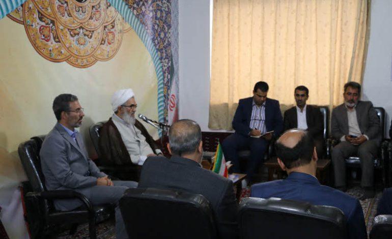 رئیس و اعضای جهاد دانشگاهی استان مازندران با حضور در دفتر امام جمعه قائم شهر ضمن ارائه گزارش ، با آیت الله معلمی دیدار و کردند + تصاویر